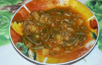 Зелен боб с картофи